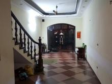 Cho thuê nhà phố Nguyễn Khang, 50m2, 4 tầng. Ô tô, KD. Giá 25 tr. LH 0918681122