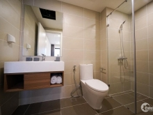 Cần bán gấp căn hộ 2 Phòng ngủ Tầng 24 view thoáng mát, gần Hồ Tây