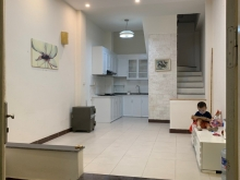 Cho thuê nhà nguyên căn 4 tầng tại Phố Bồ Đề, P. Bồ Đề, Q. Long Biên, Hà Nội