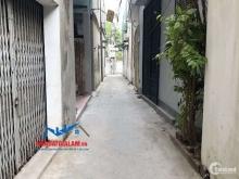 Lô góc 32m tại Hoa Lâm, Long Biên. Đường 2m cách đường ô tô 40m, vị trí thuận