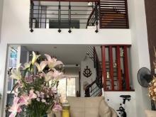 Bán nhà mặt tiền đường 16m đẹp nhất KDC Phú Mỹ, Hoàng Quốc Việt, Quận 7