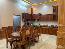 Kẹt tiền làm ăn nên cần bán gấp nhà Phan Đăng Lưu 40m2,3 lầu,5 PN.