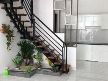 Nhà chính chỉ 1 trệt lửng 3 lầu nằm trên đường nguyễn oanh nối dài