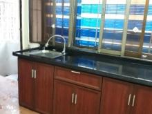 Cho thuê  căn hộ tại tầng 5 tập thể in tiền quốc gia-30 Phạm Văn Đồng