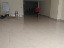 Cần cho thuê gáp văn phòng 150m giá 30tr gồm thuế dịch vụ tai Duy Tân Cầu Giấy
