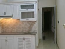 Cho thuê căn hộ khép kín đẹp tại phố Định Công