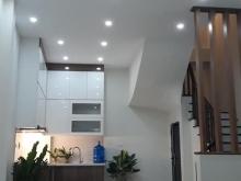 Nhà mới 5 tầng x 38m2, Giá 3,8 Tỷ. Đường Nguyễn Văn Cừ, Long Biên, hà Nội