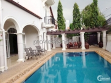 Bán biệt thự Thảo Điền q2, khu compound, dt 614m2, 3 tầng sân vườn + hồ bơi