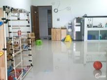 Cho thuê căn góc view hồ bơi 82m2: 2PN + 2WC, nhà trống, đầu tháng 6 ở 7triệu